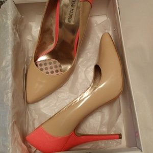 Nude pump with a splash of color